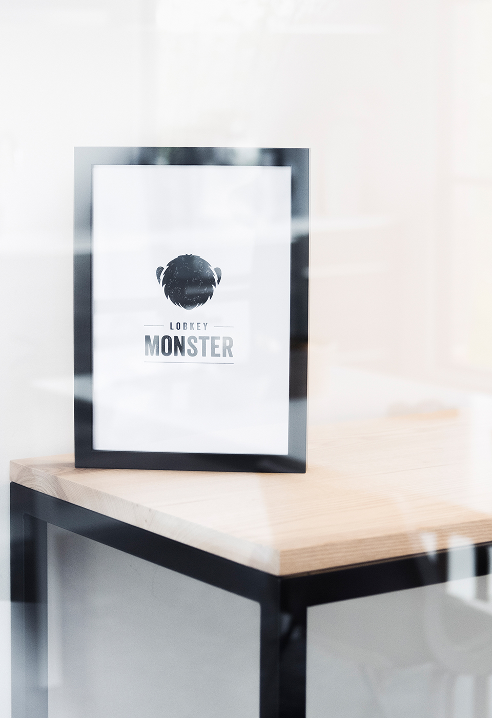 Lobkey Monster logo in kader